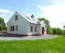 Snaptrip - Last minute cottages - Inviting Ballinrobe Cottage S83470 -