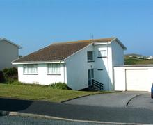 Snaptrip - Last minute cottages - Excellent Holywell Bay Cottage S83502 - Bracken - front of house