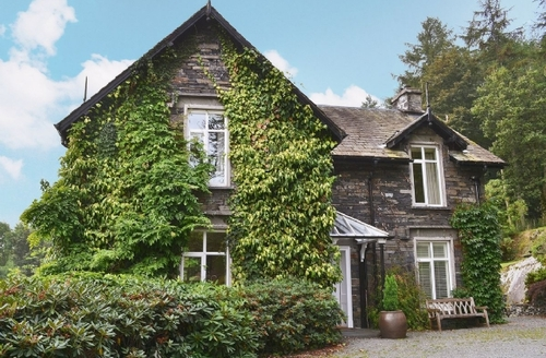 Snaptrip - Last minute cottages - Attractive Hawkshead Cottage S18525 -