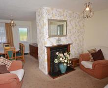 Snaptrip - Last minute cottages - Splendid Perranporth Central Cottage S83513 - Lounge / diner