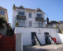 Snaptrip - Last minute cottages - Delightful Perranporth Central Apartment S83548 - Trevaunance  outside