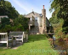 Snaptrip - Last minute cottages - Luxury Truro Apartment S83545 - The Designers Loft garden