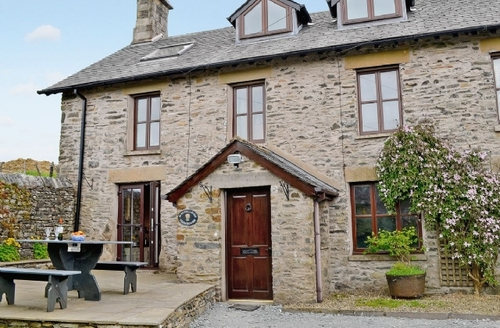 Snaptrip - Last minute cottages - Charming Kendal And Lakes Gateway Cottage S18539 -