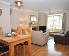 Snaptrip - Last minute cottages - Stunning Perranporth Central Cottage S83627 - Serendipity lounge / diner