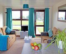 Snaptrip - Last minute cottages - Splendid Trevellas Cottage S83637 - Argel living room