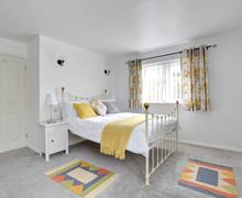 Snaptrip - Last minute cottages - Gorgeous Kettlewell Lodge S83758 - Bedroom 1 - View 3