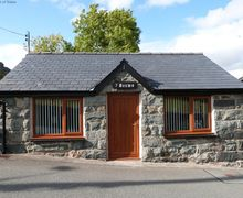 Snaptrip - Last minute cottages - Inviting Trawsfynydd Cottage S57797 - Enjoy a romantic break at this Trawsfynydd accommodation for 2