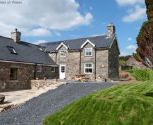Snaptrip - Last minute cottages - Cosy  Cottage S57882 - Sea View Tywyn Accommodation - Self Catering Cottage for 10