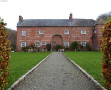 Snaptrip - Last minute cottages - Exquisite Tremeirchion Cottage S57878 - Spacious cottage for 6 with log fire - a great base to explore North Wales