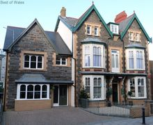 Snaptrip - Last minute cottages - Exquisite Aberystwyth Cottage S57887 - Gorgeous boutique self catering in Aberystwyth town centre