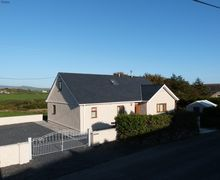 Snaptrip - Last minute cottages - Delightful Aberdaron Cottage S57898 - Gwelfryn holiday cottage Aberdaron, just a 5 minute walk to the beach