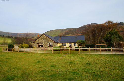 Last Minute Cottages - Maes Mihangel, Tywyn