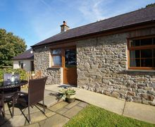 Snaptrip - Last minute cottages - Cosy  Cottage S58040 - Cosy holiday cottage with fishing lake in West Wales