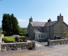 Snaptrip - Last minute cottages - Excellent Bontnewydd Cottage S57877 - Snowdonia self-catering accommodation - Caernarfon, North Wales