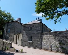 Snaptrip - Last minute cottages - Splendid Cardigan Apartment S57856 - This Idylic romantic apartment in and Historic Welsh Castle is ideal for a couple.
