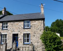 Snaptrip - Last minute cottages - Exquisite Newport Cottage S57792 - Ael y Bryn Newport Holiday Cottage