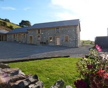 Snaptrip - Last minute cottages - Cosy Talybont Cottage S57818 - Sea view holiday cottage within walking distance of village pub
