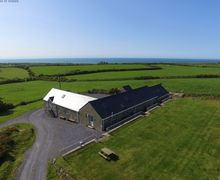 Snaptrip - Last minute cottages - Beautiful  Cottage S57851 - Coastal, large and 5 Star Holiday Accommodation Llyn Peninsula