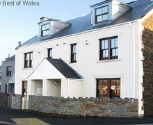 Snaptrip - Last minute cottages - Luxury Burry Port Cottage S57849 - Luxury Cottage next to Marina & near Pembrey beach, West Wales