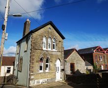 Snaptrip - Last minute cottages - Adorable Llantrisant Cottage S70943 - Old Parish Apartment in Llantrisant near Cardiff