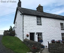 Snaptrip - Last minute cottages - Tasteful Cemmaes Cottage S57829 - Pet friendly cottage holiday in Mid Wales - cosy farmhouse cottage
