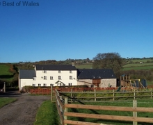 Snaptrip - Last minute cottages - Delightful  Cottage S57932 - Maes y Gwy - one of two self-catering Monmouthshire cottages