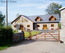 Snaptrip - Last minute cottages - Attractive Cray Cottage S57843 - Brecon Beacons Holiday Cottage with hot tub