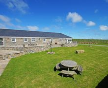 Snaptrip - Last minute cottages - Excellent Bryncroes Cottage S57873 - Spectacular, large North Wales cottages to rent on the Llyn Peninsula
