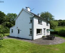 Snaptrip - Last minute cottages - Captivating Pennal Cottage S57996 - Self catering Aberdovey cottage set within its own enclosed garden