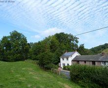 Snaptrip - Last minute cottages - Captivating Dutlas Cottage S58022 - Walking Mid Wales Holiday Cottage