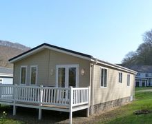 Snaptrip - Last minute cottages - Quaint Llanarth Apartment S58195 - New Quay accommodation  - 5 star lodge