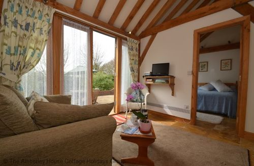 Last Minute Cottages - Superb Bexhill Cottage S60788
