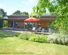 Snaptrip - Last minute cottages - Exquisite Hailsham Cottage S60692 - Little Marshfoot - Hailsham, East Sussex