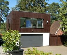 Snaptrip - Last minute cottages - Luxury East Grinstead Cottage S60759 - The Beacon - East Grinstead, West Sussex