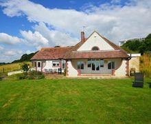 Snaptrip - Last minute cottages - Gorgeous Pett Cottage S69917 - Sea Bank - Fairlight, East Sussex
