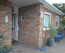 Snaptrip - Last minute cottages - Superb Seaford Cottage S60686 - Lamble - Seaford, East Sussex