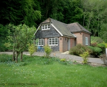 Snaptrip - Last minute cottages - Gorgeous Buriton Cottage S60711 - New Barn Cottage - Buriton, Petersfield, Hampshire