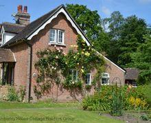 Snaptrip - Last minute cottages - Excellent Handcross Cottage S60738 - Rosemead Cottage - Handcross, West Sussex