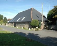 Snaptrip - Last minute cottages - Excellent Bognor Regis Cottage S60798 - Wellow Barn - Flansham, near Bognor Regis, West Sussex