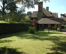 Snaptrip - Last minute cottages - Beautiful Pulborough Cottage S60665 - East End at Hurston Warren - Wiggonholt, Pulborough, West Sussex