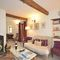 Snaptrip - Last minute cottages - Tasteful Chichester Cottage S80981 - Lounge - Truffle Cottage