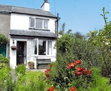 Snaptrip - Last minute cottages - Wonderful Ulverston And Lakeland Peninsula Cottage S18689 -