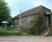 Snaptrip - Last minute cottages - Tasteful Haywards Heath Cottage S60717 -