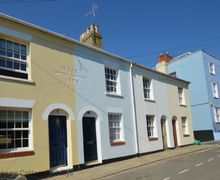 Snaptrip - Last minute cottages - Cosy Hastings Cottage S60755 - Tackleway Cottage -   Hastings, East Sussex