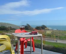 Snaptrip - Last minute cottages - Attractive Fairlight Cottage S60741 - Sea Glint - Balcony with sea views