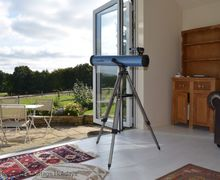 Snaptrip - Last minute cottages - Gorgeous Beckley Cottage S60643 - Bluebells -  Beckley, East Sussex - Bringing the outside in with bi folding doors
