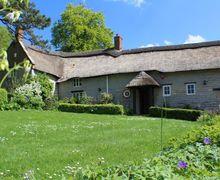 Snaptrip - Last minute cottages - Captivating Portway Cottage S50908 -