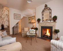 Snaptrip - Last minute cottages - Quaint Tetbury Cottage S56492 -