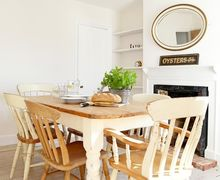 Snaptrip - Last minute cottages - Captivating Whitstable Cottage S82677 -