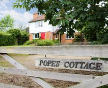Snaptrip - Last minute cottages - Delightful Woodchurch Cottage S50906 -